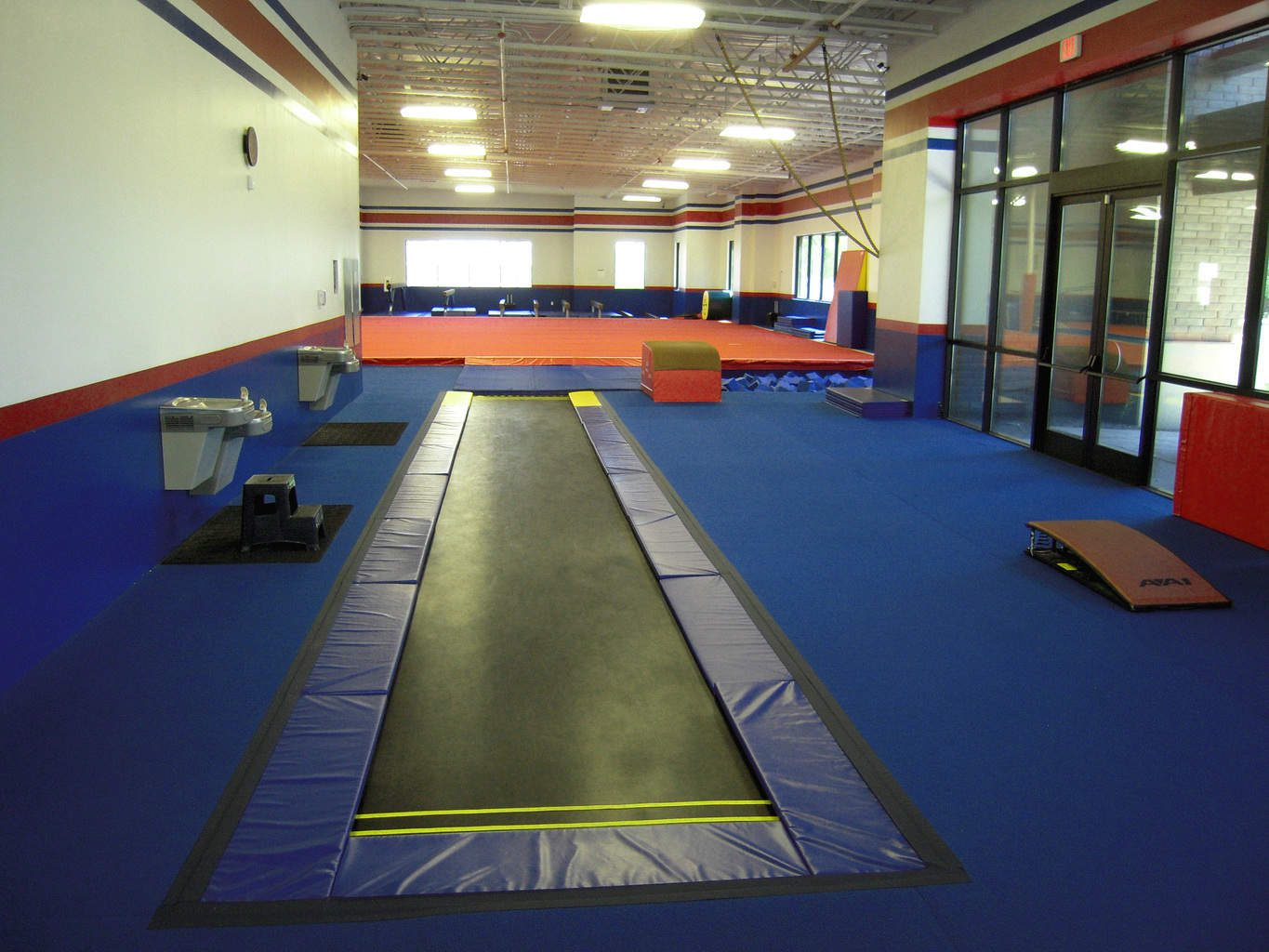 USA Youth Fitness Center Tumbl Trak