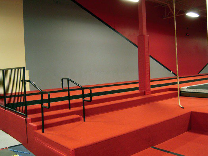 Team Attraction Gymnastics Stairs Climbing Rope